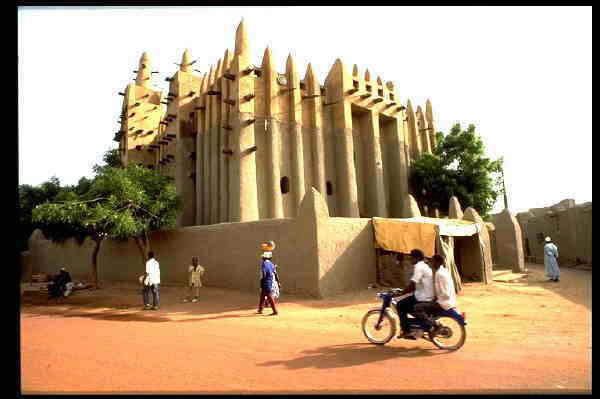 http://www.missionislam.com/islamicart/mosques/images/mosq%20mud%20mopti%20mali_jpg.jpg
